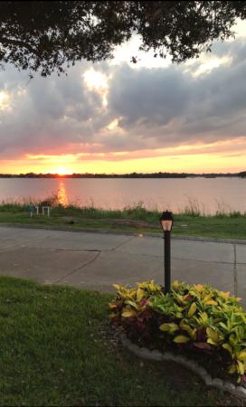 608 Lake View